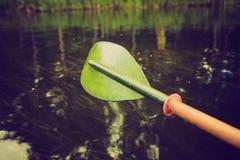 Photo de vintage de kayaking par la rivière de Krutynia en Pologne Photos stock