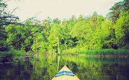Photo de vintage de kayaking par la rivière de Krutynia en Pologne Images stock
