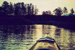 Photo de vintage de kayaking par la rivière de Krutynia en Pologne Photos libres de droits