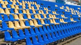 Photo des sièges vides dans le stade Photos libres de droits