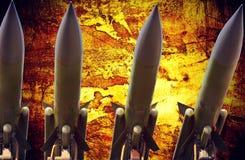 Photo dramatique grunge abstraite de missiles antiaériens Photo libre de droits