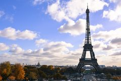 Paris - eiffel tower. Photo of eiffel tower and garden Royalty Free Stock Photography