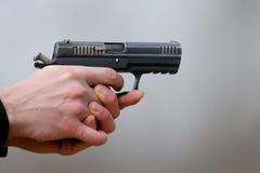 Photo en gros plan d'un tir de pistolet Images libres de droits