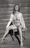 Photo infrarouge de femme âgée par milieu dans le soutien-gorge et des culottes photos libres de droits