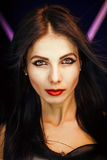 Photo lumineuse avec une belle fille Photo libre de droits