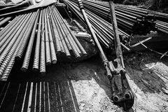 Photo monochrome du travail en acier pour le renfort Photographie stock