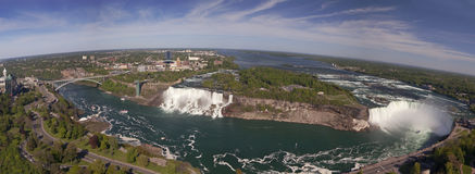 Photo-montage panoramique de chutes du Niagara Image libre de droits