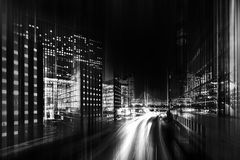 Photo noire et blanche abstraite d'une ville