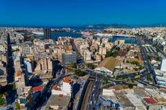 Photo panoramique de bourdon aérien de Le Pirée et du port célèbre en journée, Attique, Grèce image stock