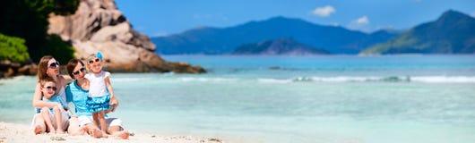 Photo panoramique de famille des vacances Image stock