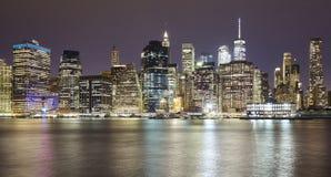 Photo panoramique de Manhattan la nuit, New York photo stock