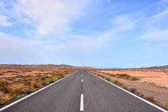 Dirt road desert Royalty Free Stock Images