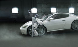 Photo présentant la voiture chère écrasée photos libres de droits