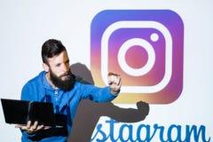 Photo sociale de réseau d'Instagram partageant en ligne Photos libres de droits