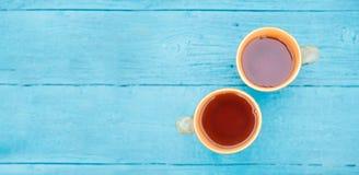 Photo sur deux tasses de thé photo stock