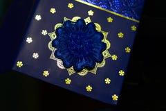 Photo unique d'objet de carte bleue d'invitation Photos stock