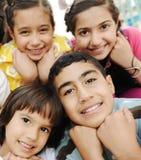 Photo verticale de groupe d'enfants, Photos stock