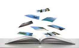 Photobook con le foto di galleggiamento di scene della spiaggia Fotografie Stock Libere da Diritti