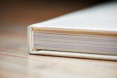 Photobook con una copertura di similpelle Fotografia Stock