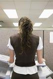 Photocopiage de femme photographie stock libre de droits
