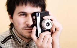 Photographe avec le rétro appareil-photo photographie stock libre de droits