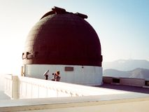 Photographe de femme chez Griffith Observatory Photo libre de droits