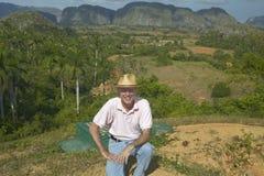 Photographe Joe Sohm dans les bières anglaises de ½ de ¿ de Valle de Viï, au Cuba central Photographie stock