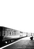 Photographe prenant des photographies à la station de Cantt de Karachi Photographie stock libre de droits