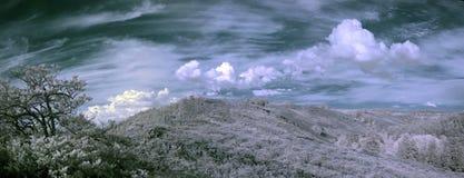 Photographie à infrarouge de montagne d'Ural du sud Images stock