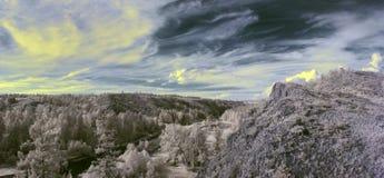 Photographie à infrarouge de montagne d'Ural du sud Photo libre de droits