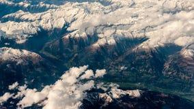 Photographie aérienne au-dessus des Alpes Photos stock