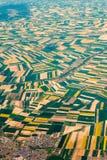 Photographie aérienne au-dessus des banlieues de Paris Images stock