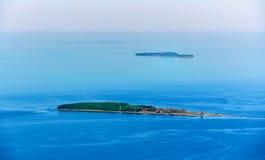 photographie aérienne des îles Ruden et de l'OIE de Greifswalder dans le balti Images stock