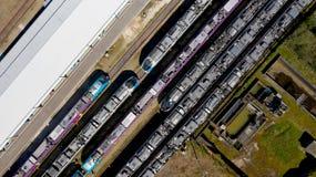 Photographie aérienne des trains dans la station de Nantes Blottereau images stock