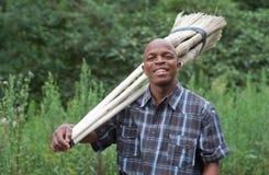 Photographie courante de vendeur sud-africain de sourire de balai de petite entreprise d'entrepreneur Image libre de droits