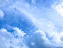 Photographie de mobile de fond de ciel nuageux images libres de droits