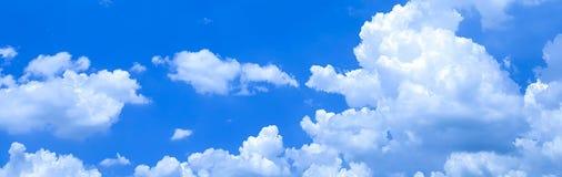 Photographie de mobile de fond de ciel nuageux photographie stock