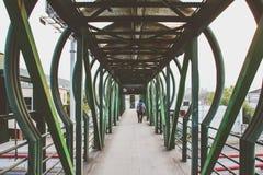 Photographie de pont piétonnier Photographie stock