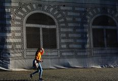 Photographie de rue dans la vieille ville de Brasov image libre de droits