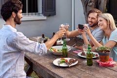 Photographie des acclamations de boissons Images libres de droits