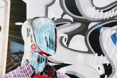Photographie humaine brouillée abstraite de portrait de mannequin de Chrome photographie stock libre de droits