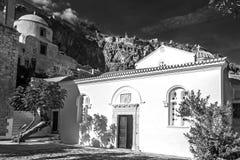 Photographie noire et blanche de l'église d'Elkomenos Christos chez Monemvasia Grèce image libre de droits