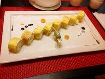 Photographie réglée de restaurant de sushi savoureux image stock