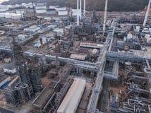 Photographies aériennes des usines de raffineries de pétrole, réservoir de gaz, réservoir de stockage de pétrole, réservoir chimi images stock