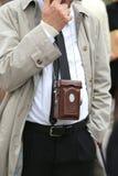 photojournalist med den antika kameran Arkivfoto