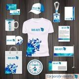 Photorealistic Designschablone des Unternehmensidentitä5sgeschäfts Klassisches blaues Briefpapierschablonendesign Uhr, T-Shirt, K Stockfotografie