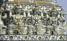 Photos décoratives des démons en Wat Arun Ratchawararam Images libres de droits