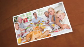 Photos d'une famille heureuse pendant le Noël Photo libre de droits