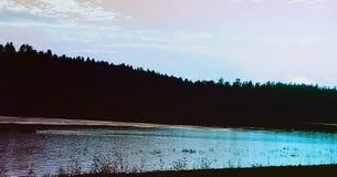 Photos de lac Mary dans l'az de hampe de drapeaux Photo libre de droits