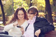Photos de observation de couples Photo stock